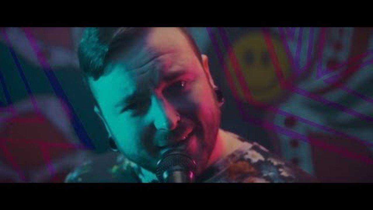 CHAMPAGNE | LET'S GO OUT TONIGHT | OFFICIAL MUSIC VIDEO